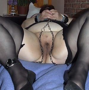 Big mature slut loving bondage