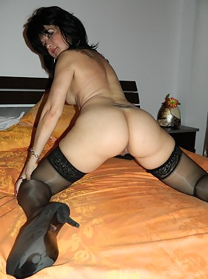 This housewife loves sharing her pussy with us