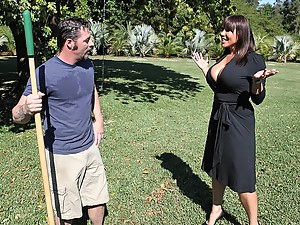 Outstanding cutie seduces her own gardener for a quick fuck while her husband is at work. Who could resist the order of your hot looking boss.