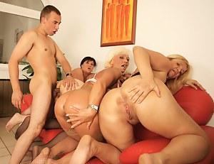 four mature sluts getting cum from one dude