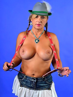 Chris will go to the octoberfest. Before the party will start, she is testing some octoberfest-outfits. What do You thin
