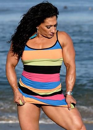 Tonia Moore, Closeups and Flexing