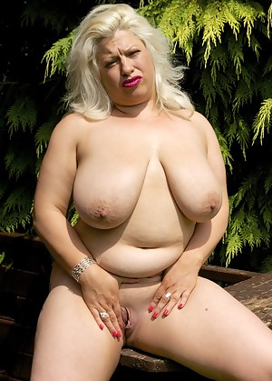 Hello Boys, Another fantastic summers day, here Im in the Garden of My friend Claire Knight in my Blue Dress which isnt