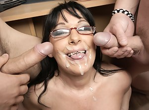 Hot mature teacher gives lessons in sex