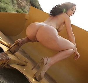It is a great pleasure for this appetitive model to suck her lover's boner and to demonstrate her great ass fucking skills in the street.