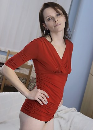 Hot housewife getting ready for naughty things