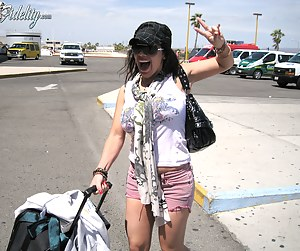 Kelly and Ryan pick Sienna up from the airport in Cabo, what's the first thing they do they fuck.