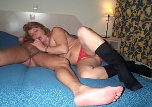 Mature amateur couple gettin' it on