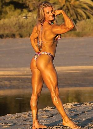 Bianca Vivadua, Muscle Beauty at Sunset