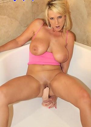 Alysha Pretty in Pink