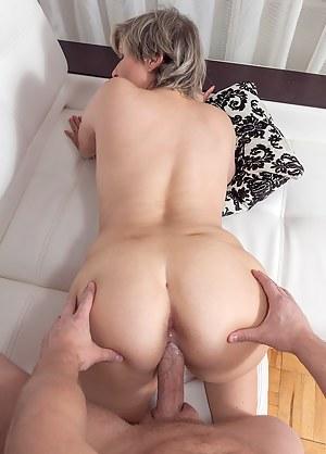Curvy Marianna Gets Fucked