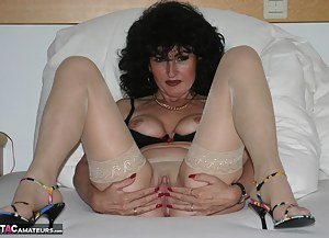 Hi everyone, cum and see my first part of this red hot photo shoot where I strip and pose for a web site member was was