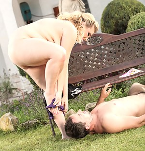 Big breasted blonde BBW goddess sitting on a guy's face