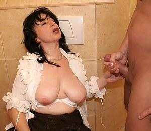 This mature toilet slut gets a big mouth full