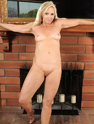 55 year old housewife from AllOver30 shows pussy aged to perfection