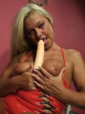 Blonde mature slut getting nasty with her dildo