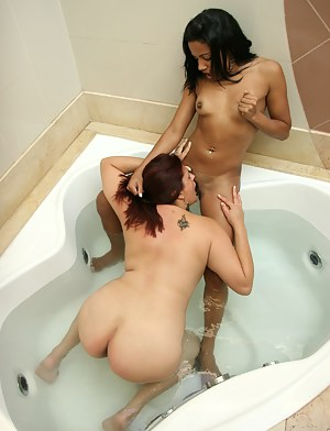 Older slut pissed on by a hot blooded teen