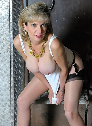 Lady Sonia pencil skirt and big nipples