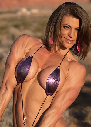 Tracy Weller, Super Babe