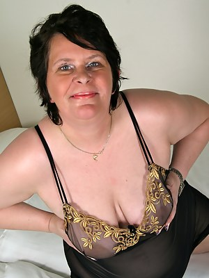 This naughty BBW loves to show off her dirty side