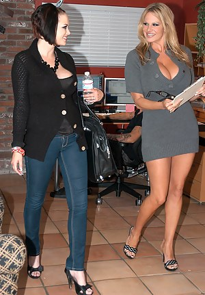 Kelly Madison hired Katie Kox to work in the office, she only knew how to get on her knees and lay on her back.