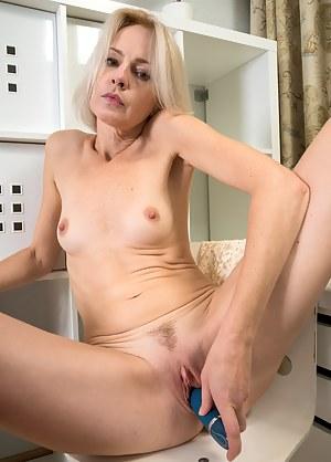 Slender Blonde Artemia Masturbates